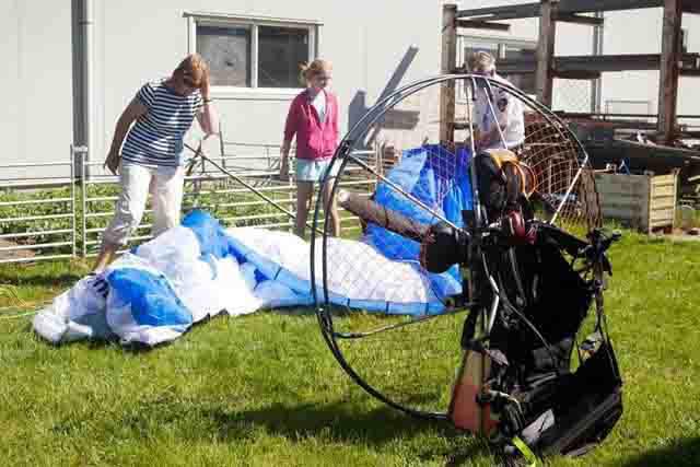 crash paraglider