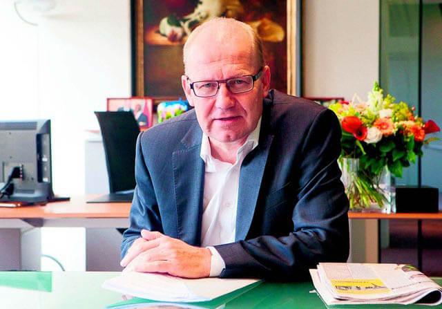 De Streekkrant kijkt één dag mee over de schouder van staatssecretaris Joop Atsma