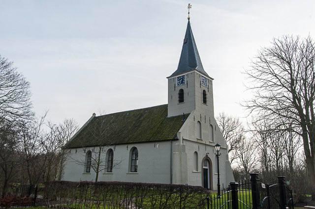 Vierhuizen kerkje-3