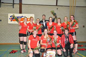 Dames 2 kampioen Volleybal Grijpskerk