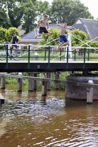 briltil zwemmen brug 2