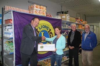 Lionsclub steunt voedselbank