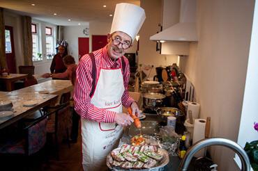 Aduard buurthuiskamer Jan Oomkes kookt-1
