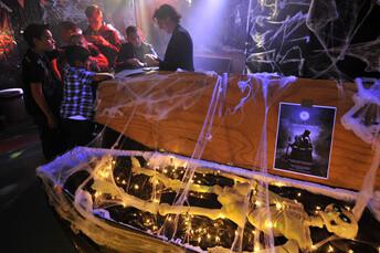 aduard halloween party 1