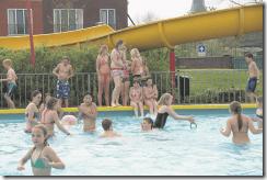 zwembad leens opening