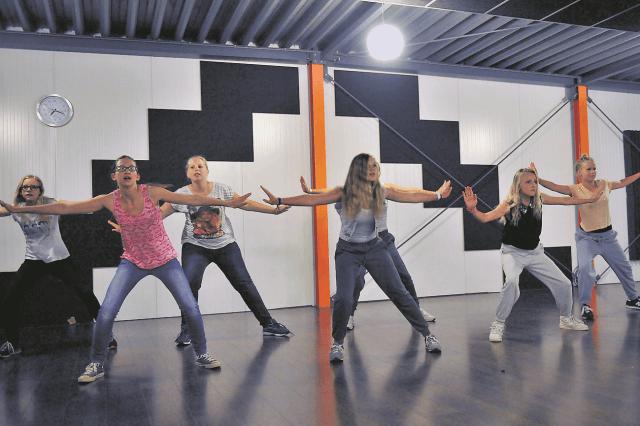 grootegast dansgroepje 2