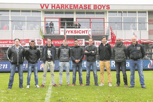 Voetbal: Harkema: Harkemase Boys - Drachtster Boys : L-R