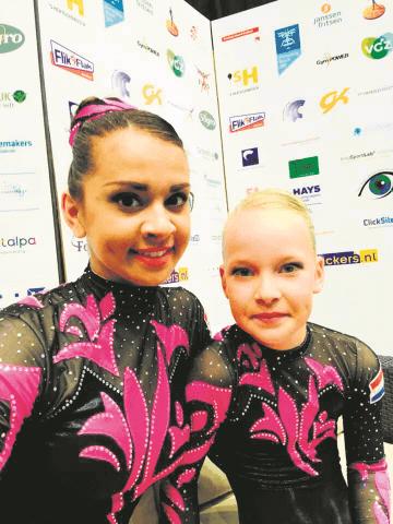 Surhuisterveen - Chayenne de kock en Jiska Batema