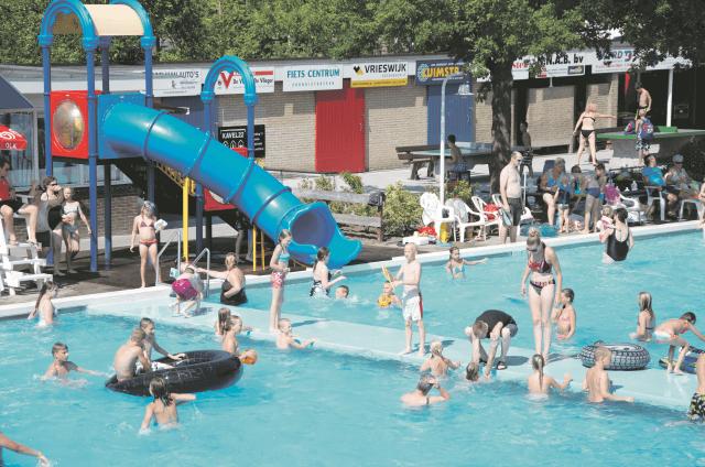 Surhuisterveen - filmpje zwembad 1