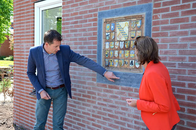 Aduard - onthulling tableau fred stol