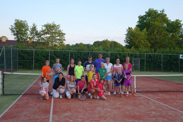 GROOTEGAST - Ouder-kind tennis Grootegast