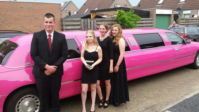 Oldekerk - roze limo