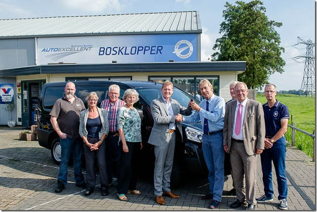 Doezum Bosklopper Nieuwe bus voedselbank