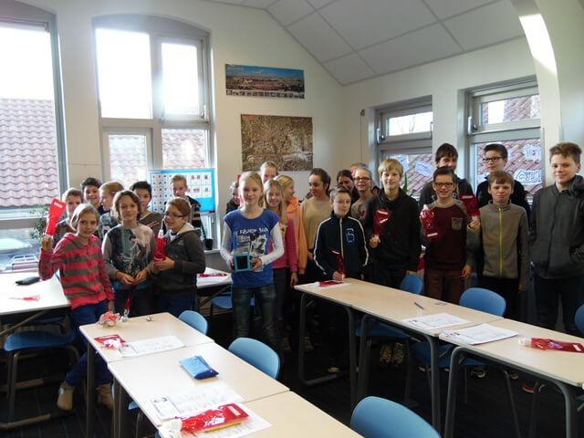Leerling GBS De Brug Zuidhorn prijswinnaar open dag Gomarus College