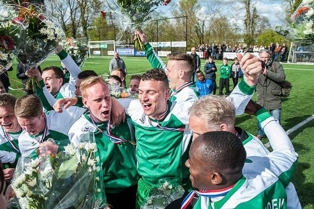 Grootegast Voetbal Kampioen-18