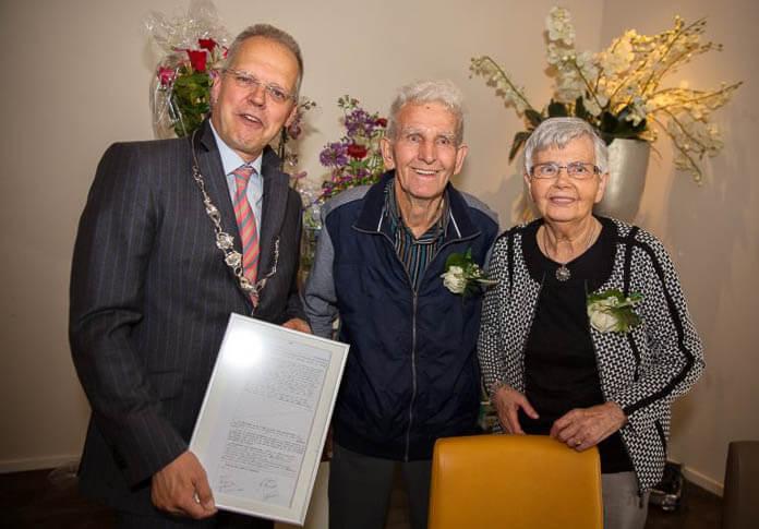Echtpaar Buist-Knot 60 jaar gelukkig
