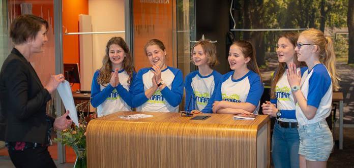 Rabobank reikt Pretty Smart Power Girls de helpende hand