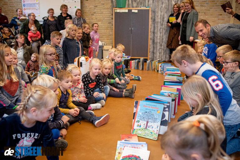 CBS de Rietstek opent Bibliotheek in school